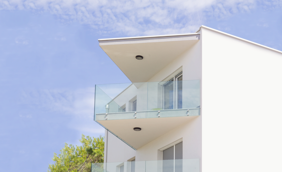 Glasgeländer, Brüstungen aus Glas, Französische Balkone