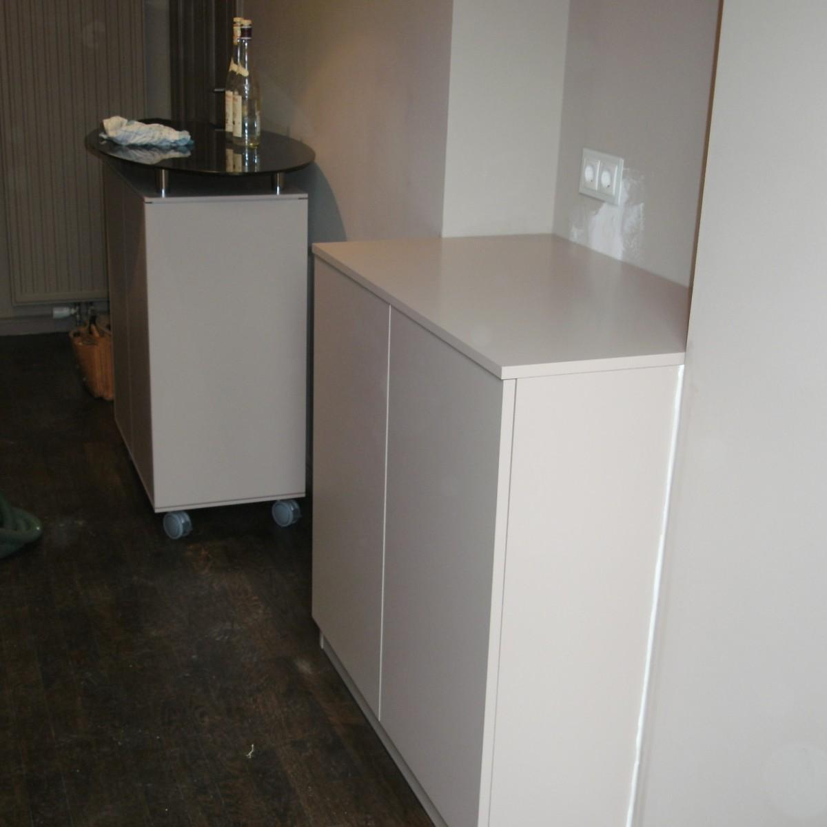 Technik-Möbel, MDF lackiert