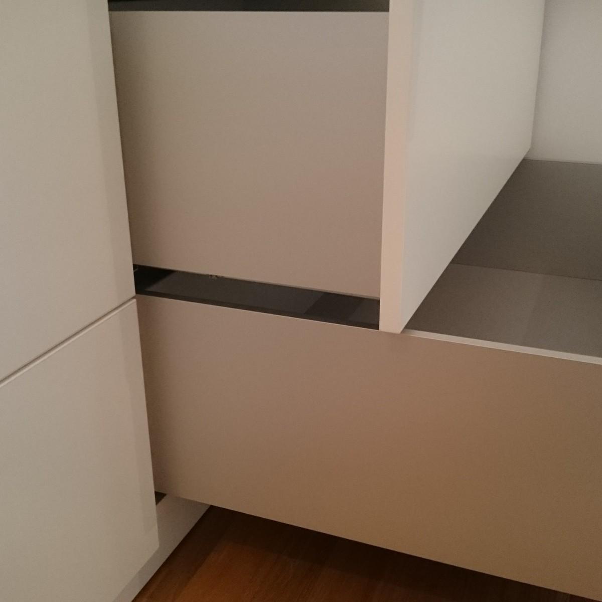 Garderobenschrank 3200x1830x600mm, top Qualität, Schubkästen von Hettich, Aluminium pur Zarten, alles push to open, Einbauen vom feinsten, Möbelhandwerk Michalak