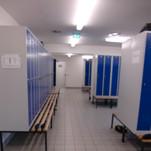 Industriebau, Duschanlagen, Umkleideräume, Treppenhaus in einem Maschinenbau Unternehmen