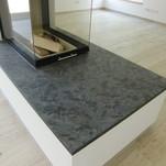 Kaminplatte Material Matrix gebürstet 3cm stark nach Schablone gefertigt
