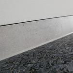 Abdeckungen und Duschsitz aus Naturstein , Labrador Blue Pearl geflammt und gebürstet