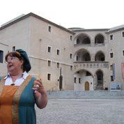 """""""Cranachs"""" Gattin als Stadtführerin"""