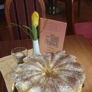 Wiener-Mandel-Sahnetorte mit Blätterteighaube