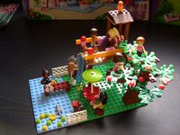 Foto: Lego Friends garden with treehouse
