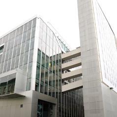 Niederländische Botschaft: 1.100 qm Gußasphalt auf Trennlage, 1.400 qm Gussasphalt inkl. Abdichtung