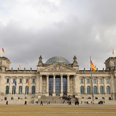 Reichstag: 300 qm Gußasphalt auf Trennlage