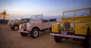 1950er Landrover in der Wüste