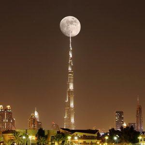 Burj Khalifa bei Vollmond