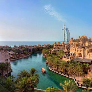 Bootsfahrten durch die Kanäle Dubais