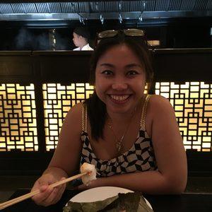Hannah im Restaurant