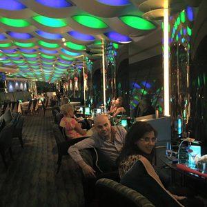 Sky Bar bei Nacht