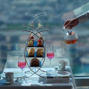 Tee und Süßspeisen in Dubai