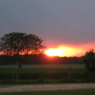 Sonnenuntergang am Platz
