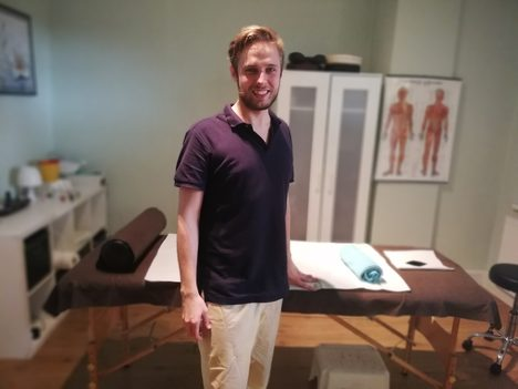 Anatolij Körner, Universal Massage, Psychotherapie Berlin, lomi massage berlin, wellnessmassage, berlin massage, kopfmassage, gesichtsmassage, ganzkörpermassage, klassische massage, gute massage berlin, masseur, heilpraktiker berlin