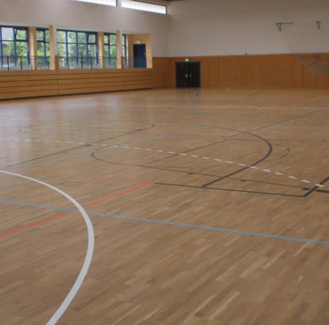 Schleifen und Versiegeln BV: Sporthalle Liebenwalde