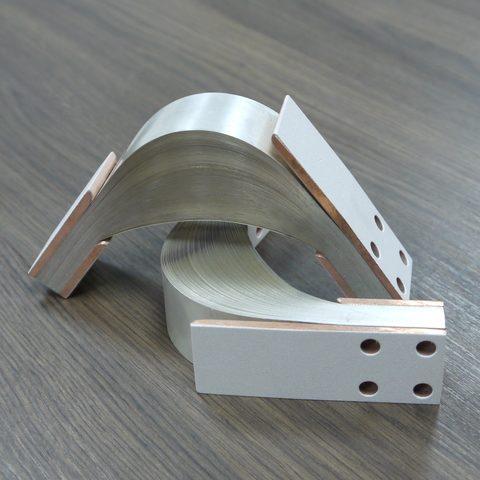 Die Kontaktflächen der Strombänder sind mit Silber beschichtet