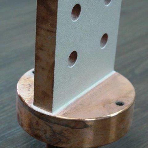 Kaltgasspritzen - Flachanschluss aus Kupfer mit Silber beschichtet für einen sehr geringen Übergangswiederstand in der Hochspannungstechnik