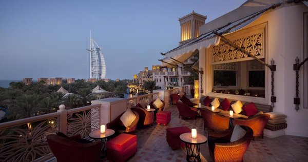Altstadtblick zum Burj al Arab