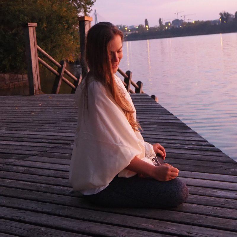 Meditation Sonnenuntergang Wasser Wien Marijke Tej Viriam Hatha Kundalini Yoga