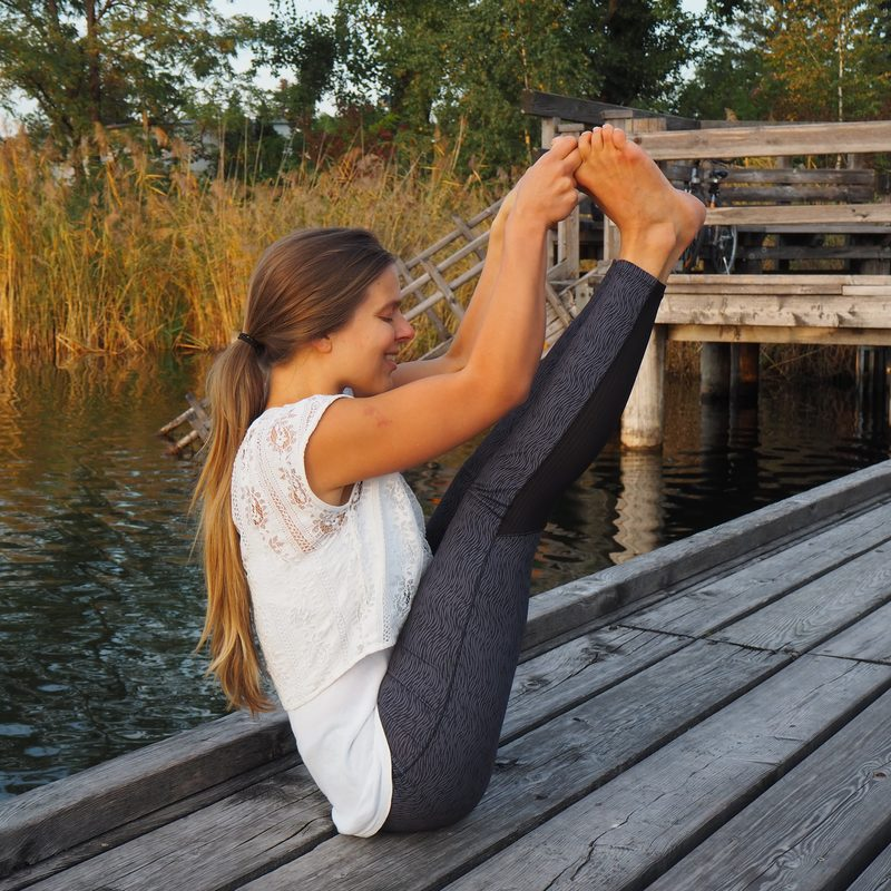 Boot Asana Hatha Yoga Meditiation Marijke Tej Viriam Wien