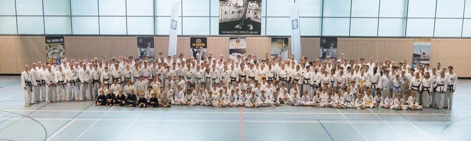 Gruppenfoto zum Bundeslehrgang in Eisenberg - BUDOSOPRT.CLUB